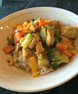 Hyvä ateria: kasvikset, proteiini, riisi